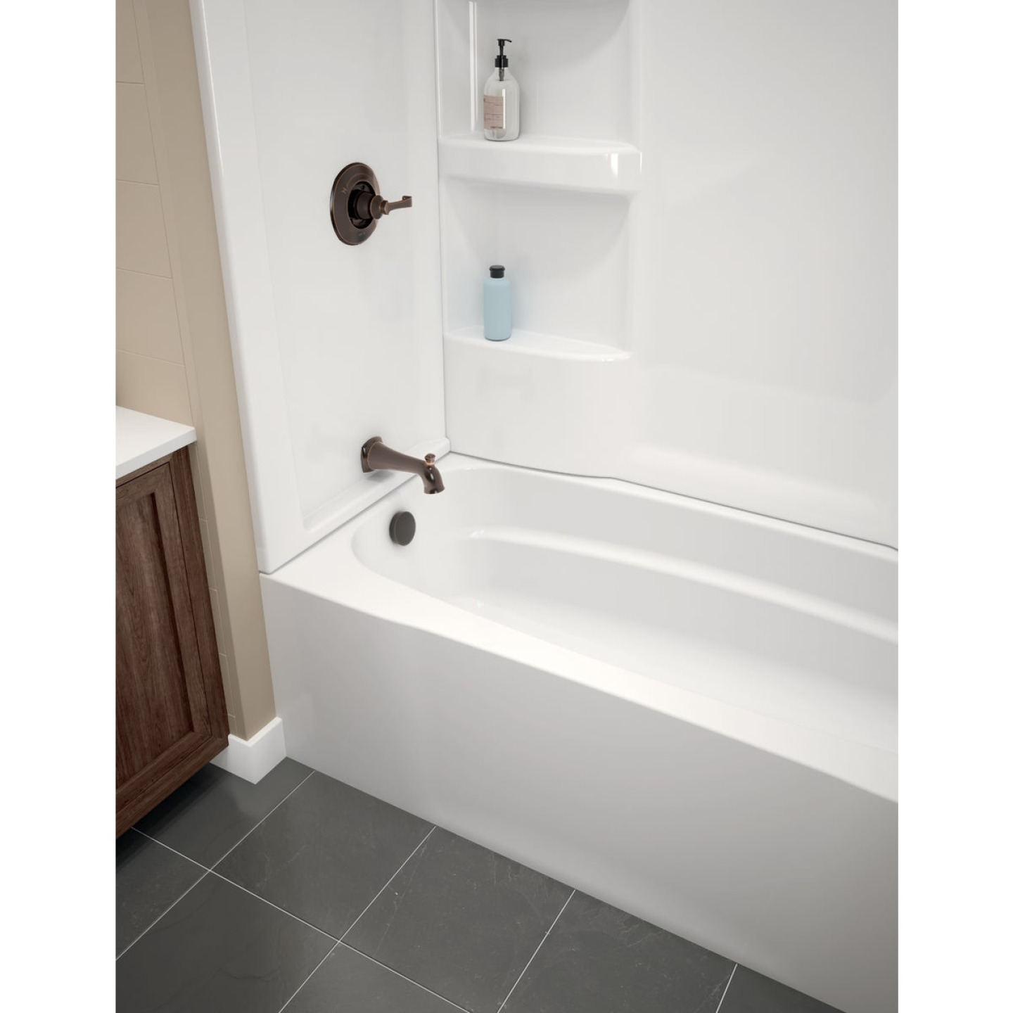 Delta Hycroft 60 In. L x 30 In. W Left Drain Bathtub in White Image 1